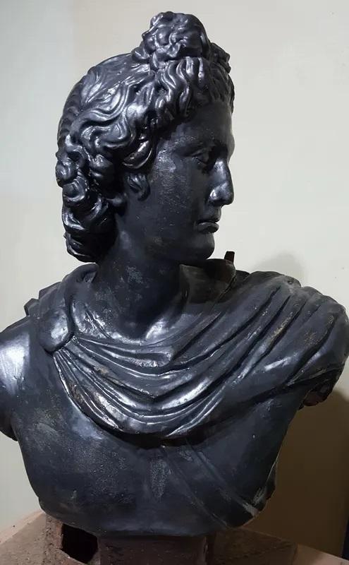 النحت الروماني الخزفي